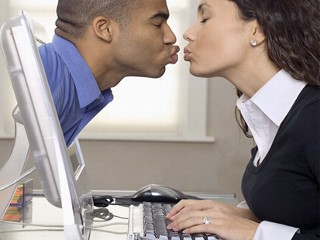 Internet match making dating services